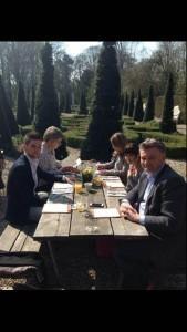 V.l.n.r.: Job Euwes, uw dienaar, Britt van Capelleveen, Daphne van Lit en Olfertjan Niemeijer